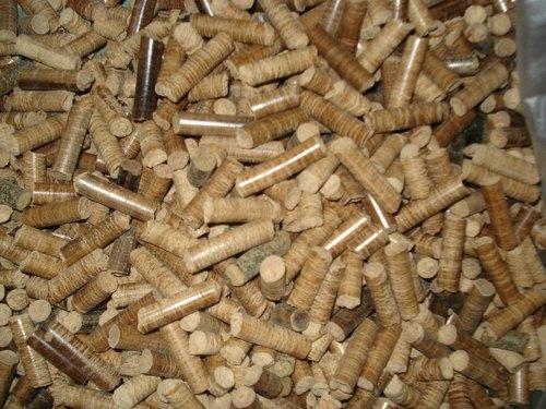 Cách làm viên gỗ cháy trong bếp lò